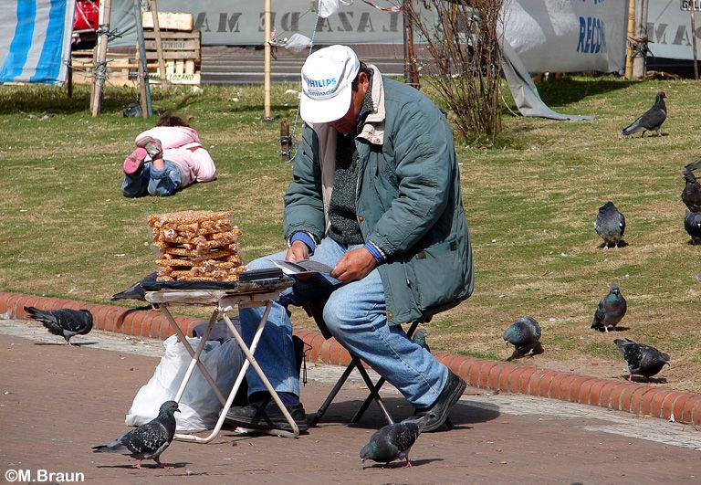 Verkaufsstände mit gerösteten Erdnüssen findet man in Argentinien überall