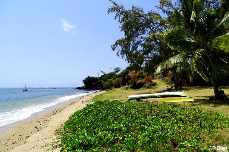 Strand in der Nähe des Les Cocotiers Beach Hotels
