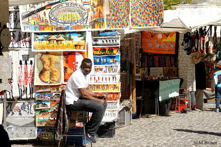 Händler aus ganz Afrika verkaufen hier ihre Waren