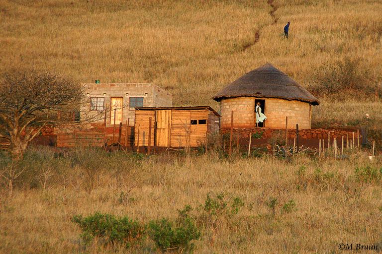 Unterwegs zum Hluhluwe Game Reserve - Zulu-Dorf