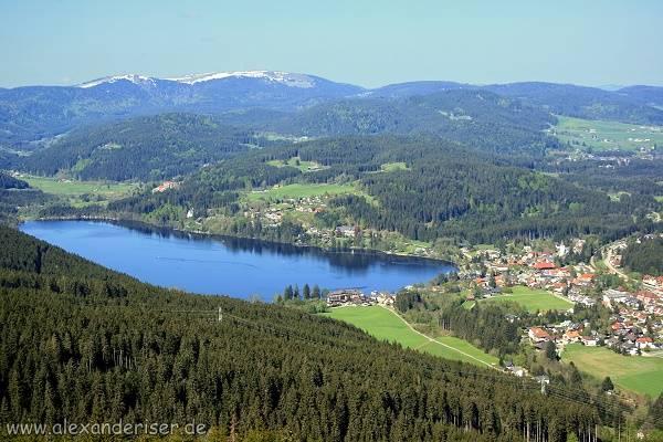 Titisee mit Feldberg im Schwarzwald