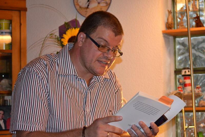 Patrick Osborn liest aus seinem Buch