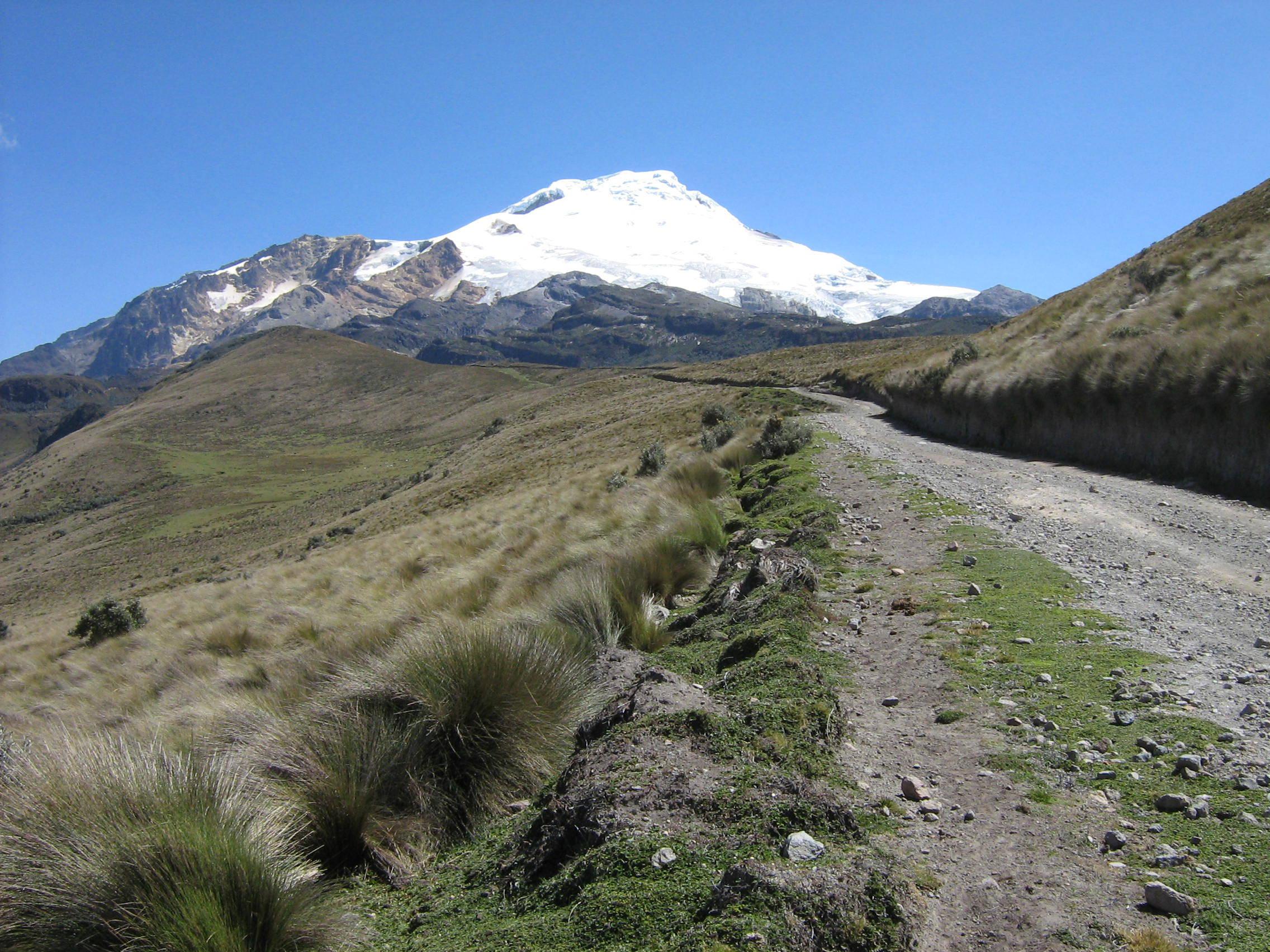 Straße/Weg zum Vulkan Cayambe und der dortigen Bergsteiger-Station