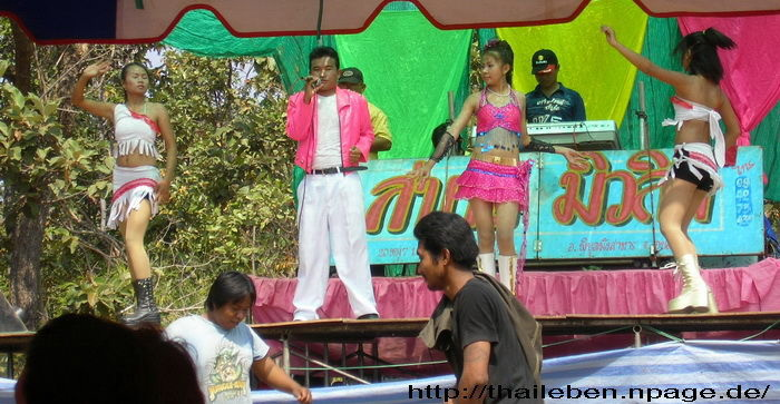 Mor Lam Tänzerinnen