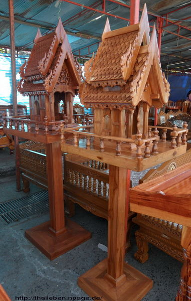 Geisterhaus aus Holz