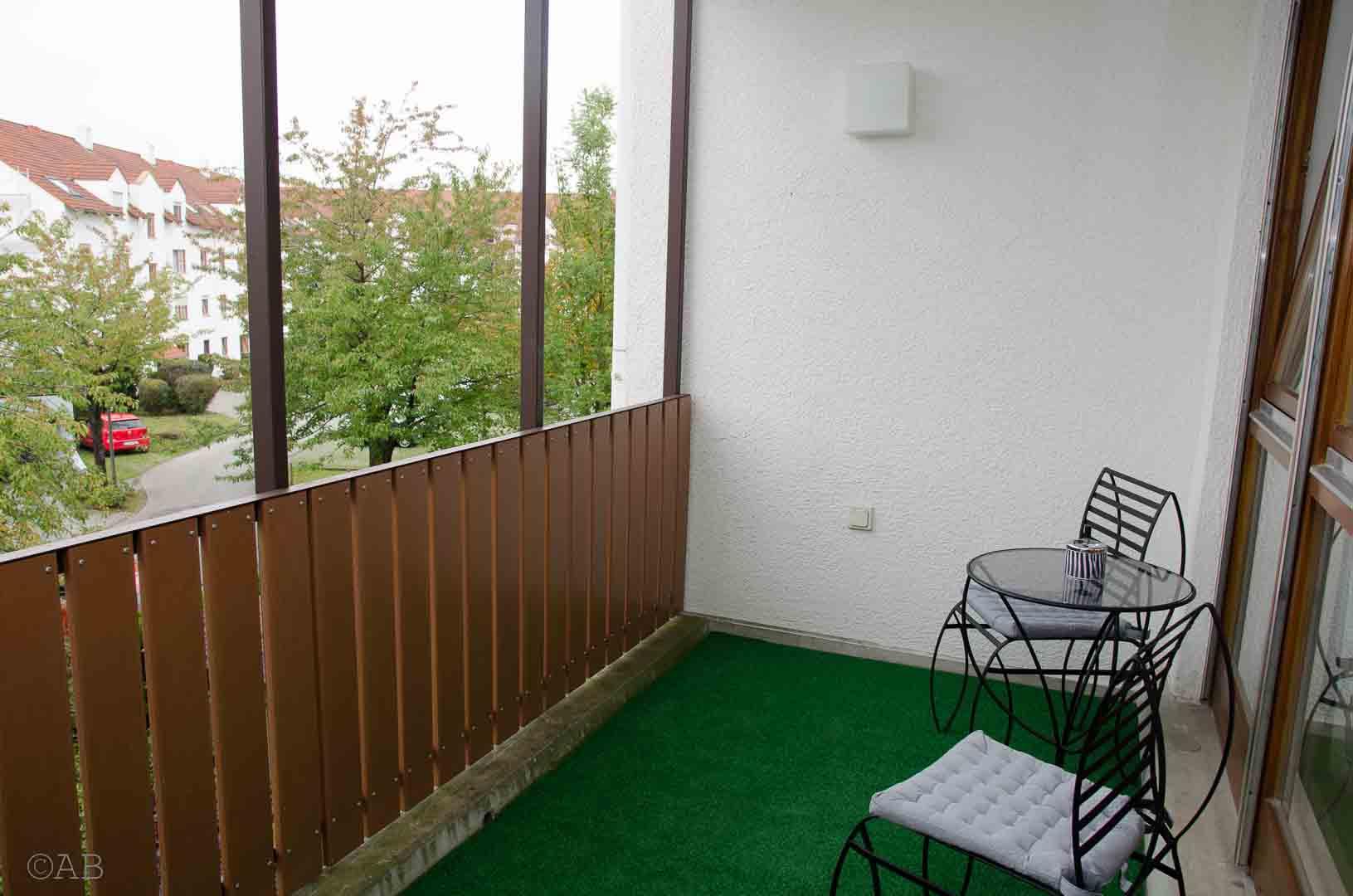 exclusives möbliertes Appartement in Königsbrunn bei Augsburg; Balkon