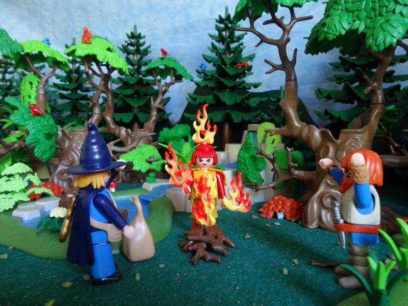 Foto In dem Flammen des Lagerfeuers erscheint ein Geist