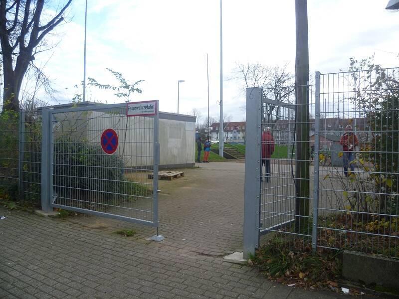 Sportanlage_Seumannstra�e_Nebenplatz
