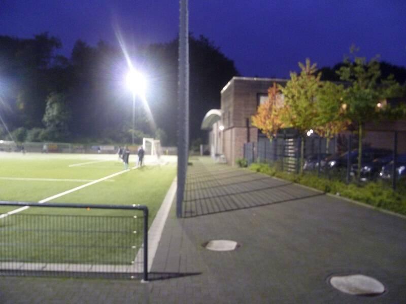 Rather_Waldstadion_Nebenplatz