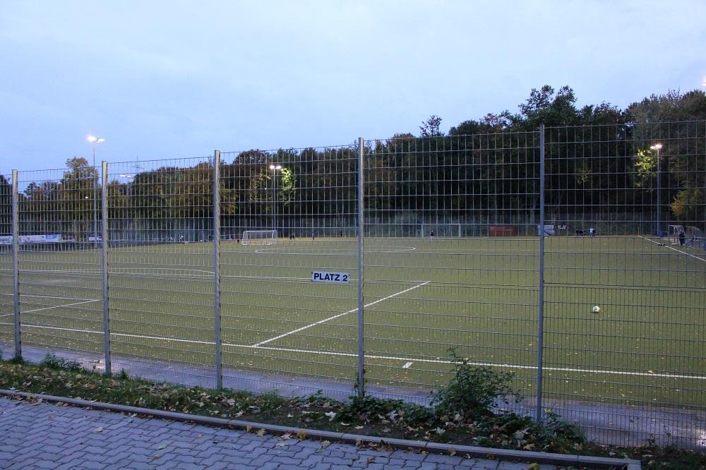 Helmut-Rahn-Sportanlage_Nebenplatz_1