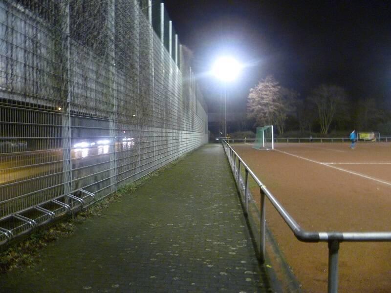Hennes_Jeschke_Sportanlage_Nebenplatz