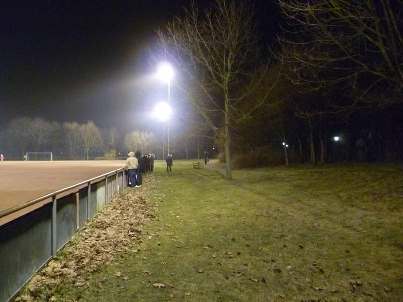 Sportanlage_An_der_Schleuse:_Längsseite-2