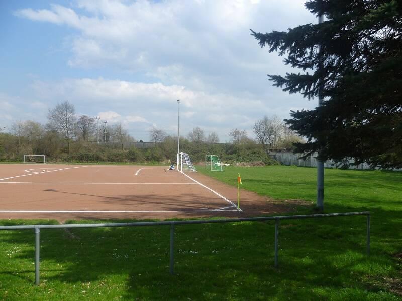 Eisenbahner-Stadion_am_Flinger_Broich