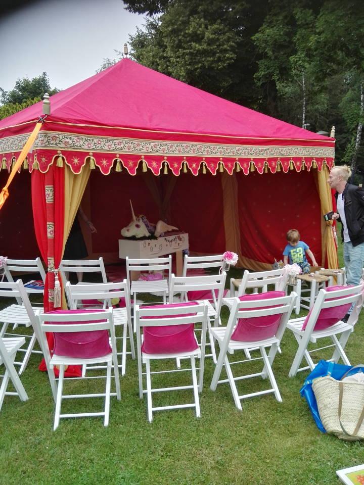 Trauerfeier in ein Zelt, Märchen beerdigung Bestattung