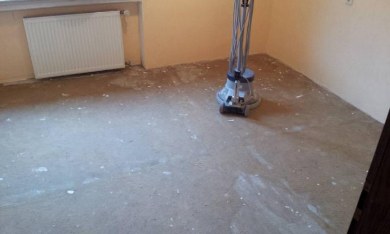 Firma  Baron  für  alle  Fälle    Handwerker - Raumaustatter - Fußbodenleger -  Renovierungen - Entrümpelungen, Süd Hessen.   Alles aus einer Hand Telefon 0162 6619772