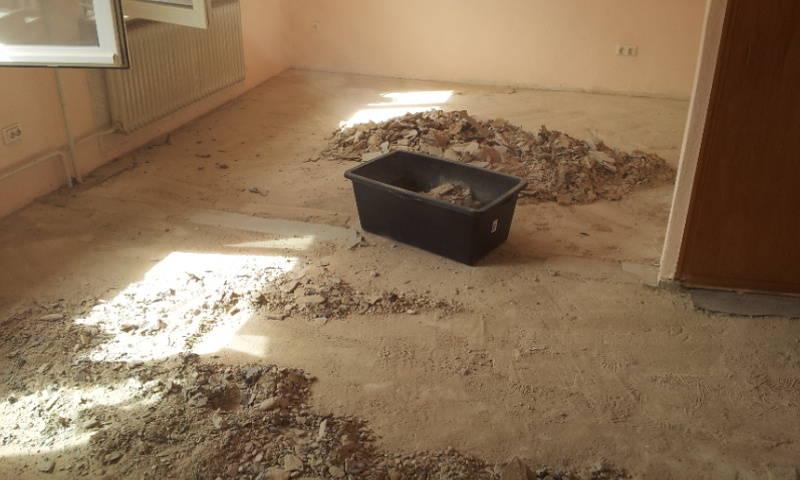 Firma  Baron  für  alle  Fälle    Firma  Baron  für  alle  Fälle     Raumausstatter - Fußbodenleger -  Renovierungen -Dielenboden Dielenboden - Verlegung - Restaurierung und Sanierung, Aufbereitung / Aufarbeitung verschlissener Stellen.
