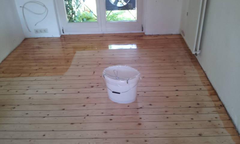 Dielenboden abschleifen, Renovieren,  ölen,  Firma  Baron  für  alle  Fälle     Raumausstatter - Fußbodenleger -  Renovierungen -Dielenboden Dielenboden - Verlegung - Restaurierung und Sanierung, Aufbereitung / Aufarbeitung verschlissener Stellen.