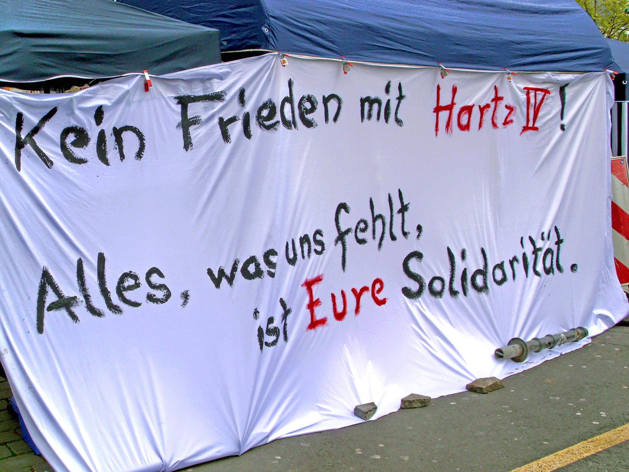 Kein Frieden mit Hartz IV-Demo