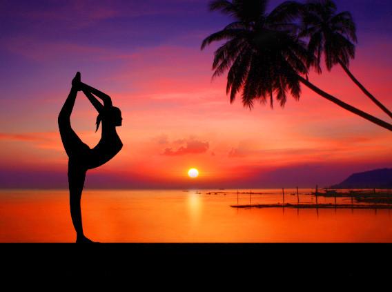 Yoga Strand Sonnenuntergang