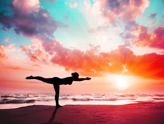 Yoga Übung am Strand