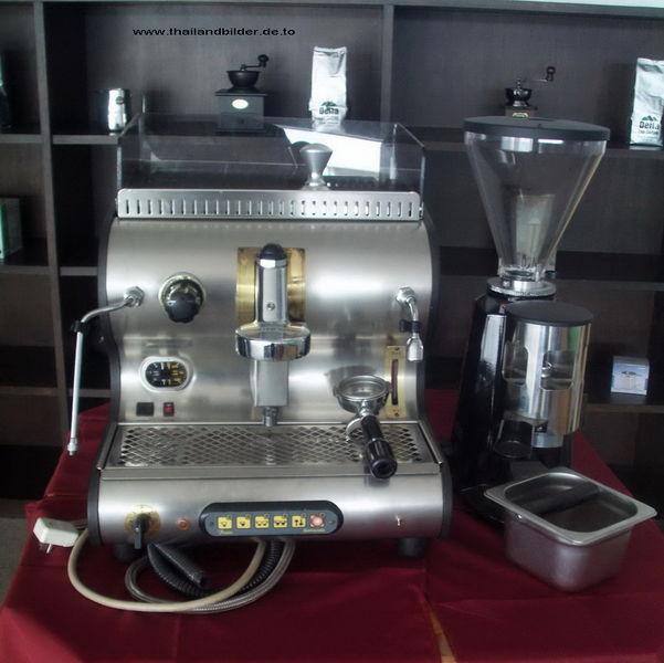 Teure Kaffemaschine mit Mahlwerk