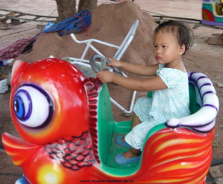 Kinder dürfen Bahn fahren
