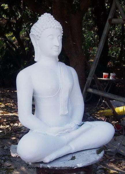 Buddhafigur weiss roh