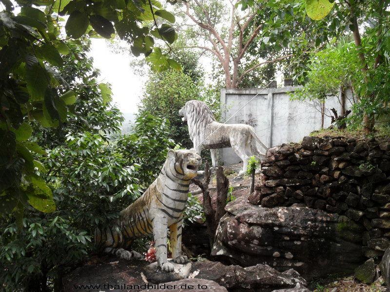 Steinfiguren Löwe und Tiger