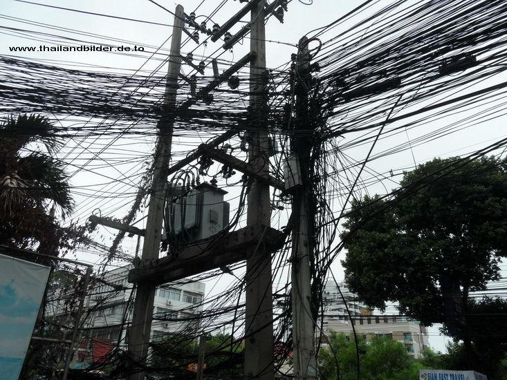 Stromleitung verworren