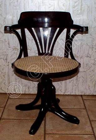 stuhlflechten stuhlflechtarbeiten. Black Bedroom Furniture Sets. Home Design Ideas