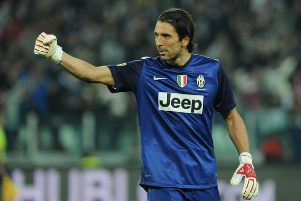 Juventus ueberfaehrt die Roma