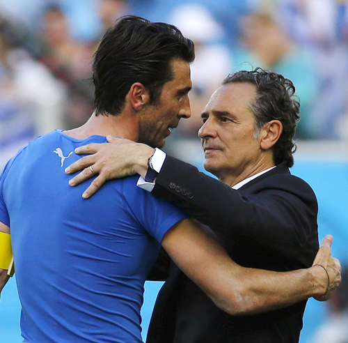 Buffon und Coach Prandelli