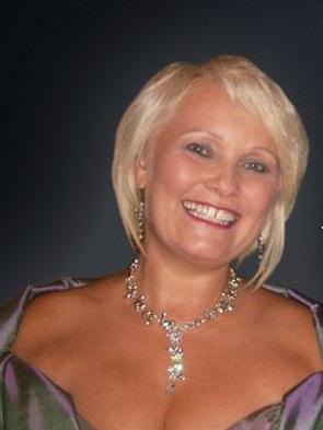 Saengerin Gesangslehrerin Hochzeitssaengerin Vocal Coach Opernsaengerin Konzertsaengerin Angelika Norwidat