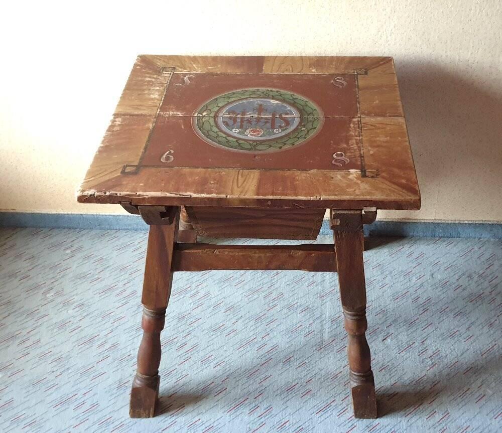 alter Bauerntisch