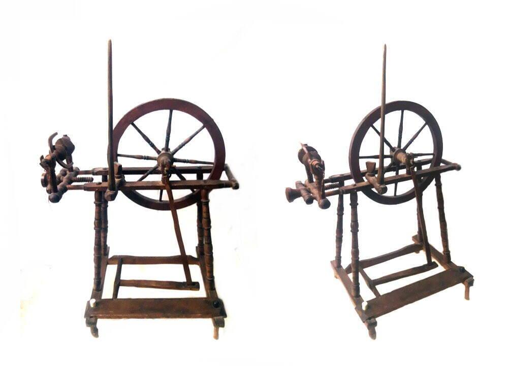 altes antikes Holz Spinnrad