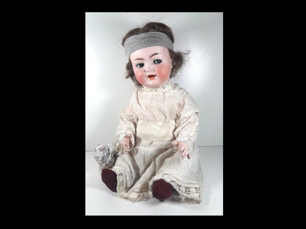 K & R  Simon & Halbig 126 Germany Schlaf - Schelmaugen Puppe, Antiquitäten Geschäft Lindlmaier