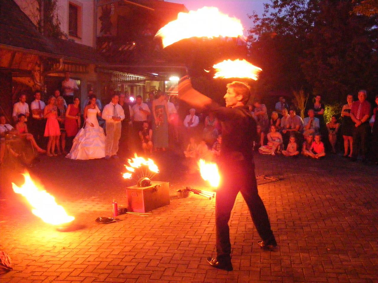 Feuer-Shows im Künstlerhof Wyand als Hochzeits-Überraschung