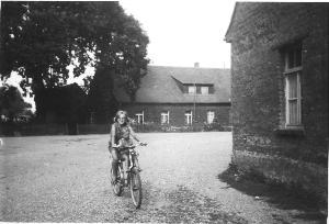 Schulgebäude Gruna