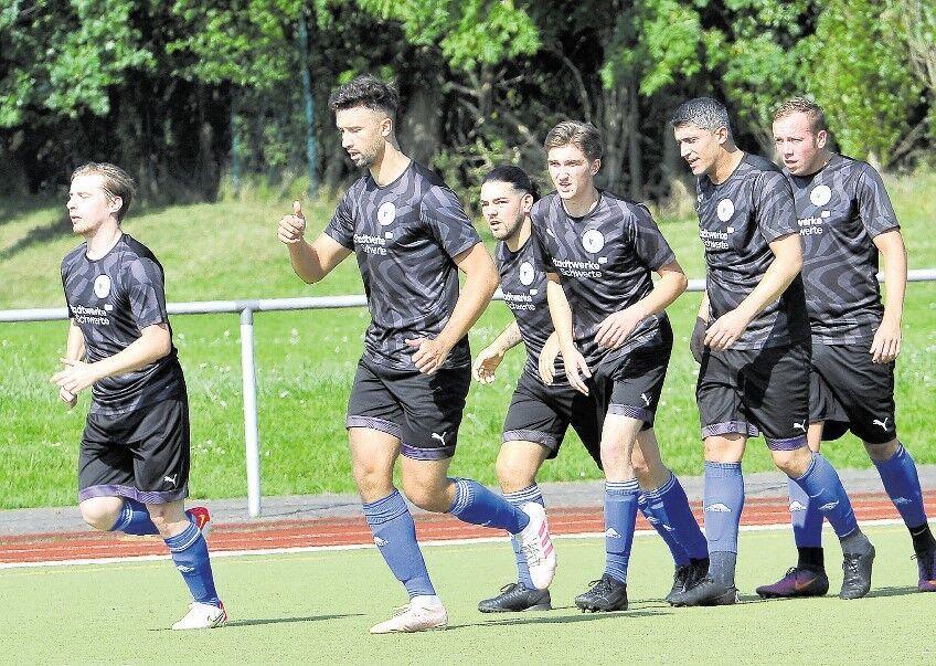 Heimpremiere:VfB weiter auf Platz eins