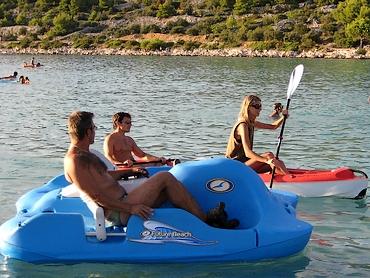 Tretboot miete verleih ferienhäuser ferienwohnungen urlaub insel murter dalmatien kroatien