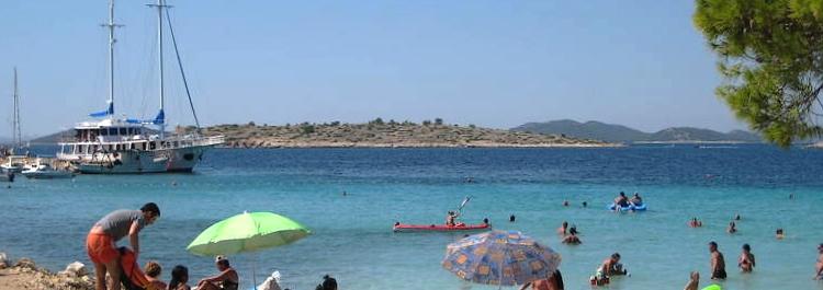 PODVRSKE BUCHT Badestrände ferienhäuser ferienwohnungen urlaub insel murter dalmatien kroatien