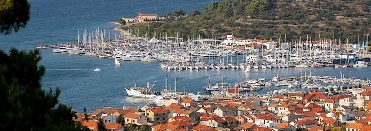 Badestrände ferienhäuser ferienwohnungen urlaub insel murter dalmatien kroatien