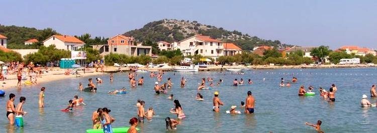 SLANICA BUCHT Badestrände ferienhäuser ferienwohnungen urlaub insel murter dalmatien kroatien