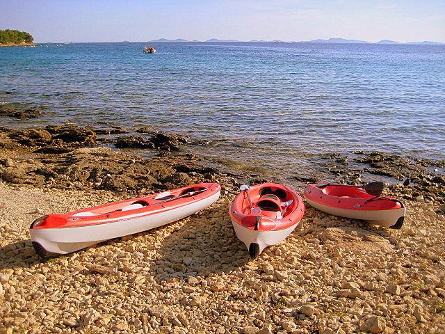 Kajak miete verleih ferienhäuser ferienwohnungen urlaub insel murter dalmatien kroatien
