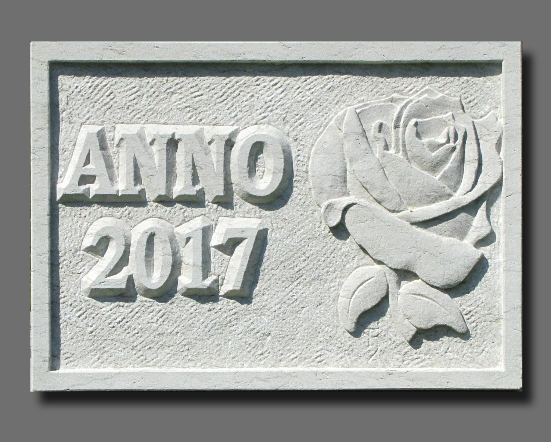 Hausmarke mit Relief Rose