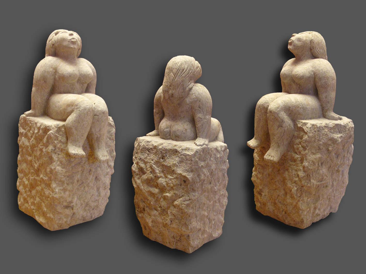 Skulptur Sitzende, Cottaer Sandstein
