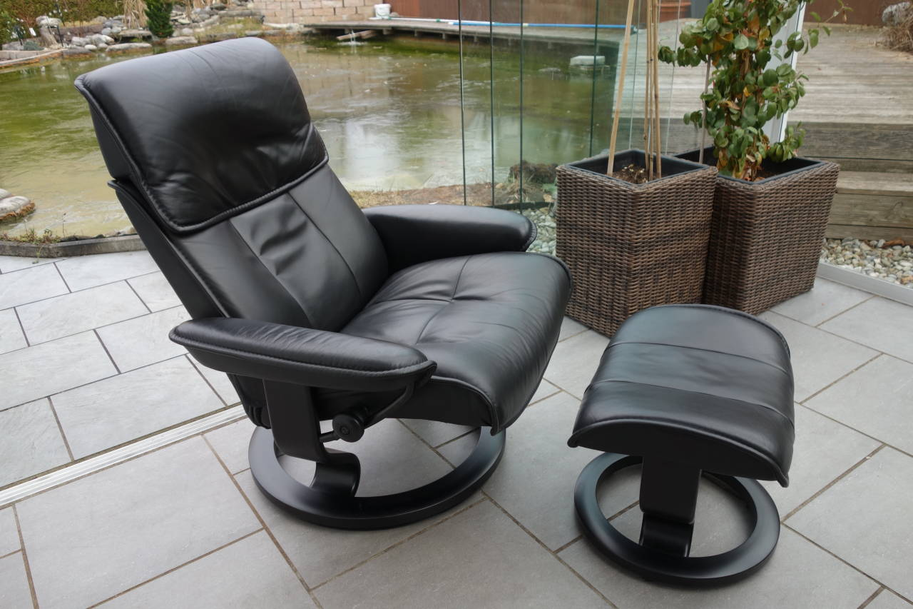 stressless sessel admiral l modell mit hocker gebraucht. Black Bedroom Furniture Sets. Home Design Ideas