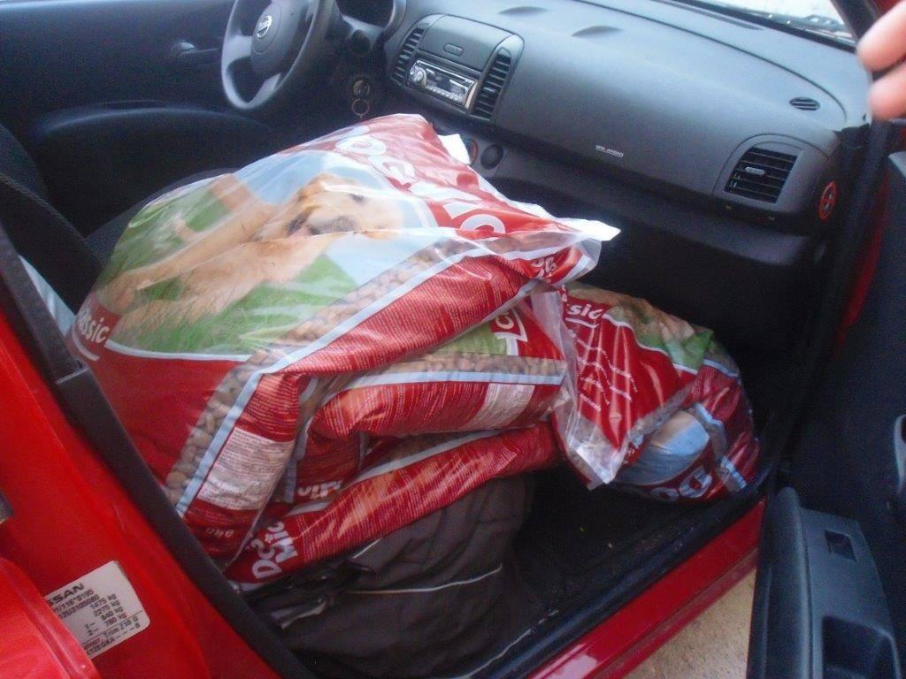 Futter für die Tierschützer in Nafpaktos
