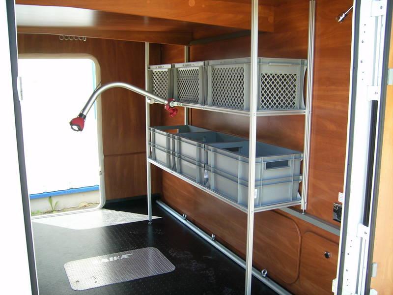 reisemobil regale wohnmobil regale regalbau aluprofil. Black Bedroom Furniture Sets. Home Design Ideas